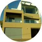 Κατοικίες και καταστήματα